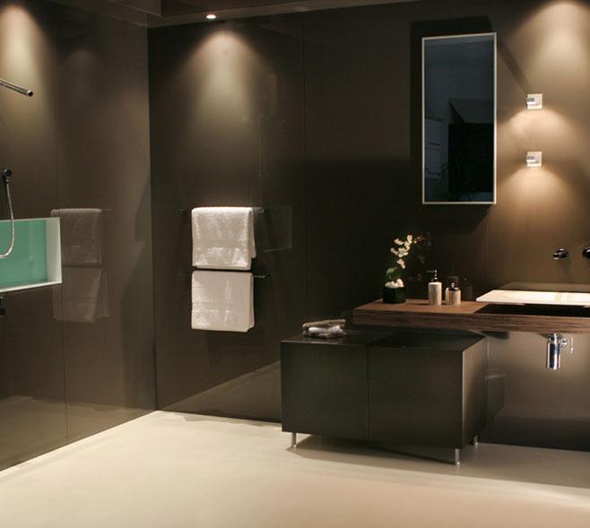 Beautiful Bathrooms Wollongong: Durable Glass Wall Panels - DecoGlaze™