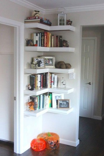 Floating corner shelving